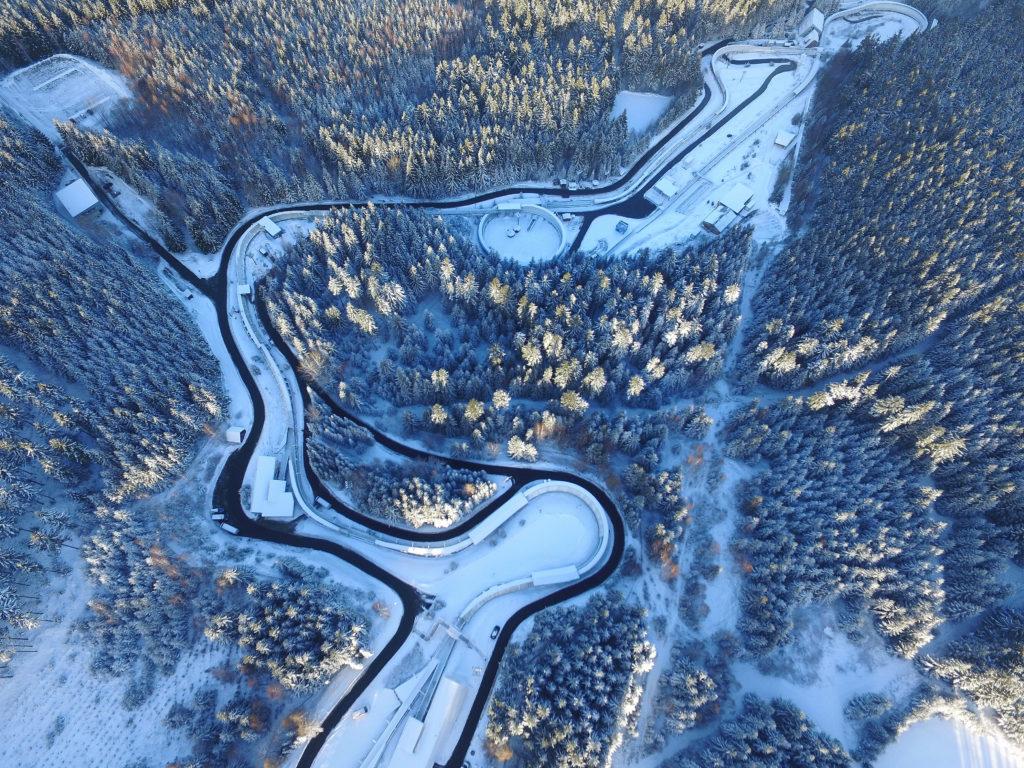 Luftfoto Bobbahn Altenberg  Foto: Egbert Kamprath  Veröffentlichung honorarpflichtig Egbert Kamprath Büttnerstraße 3 01773AltenbergErzgebirge 0170-5512459
